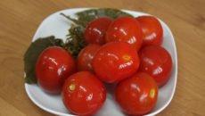 Как засолить помидоры