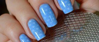 Небесно-голубой цвет ногтей