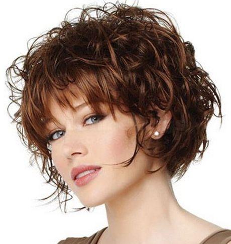 Стрижка «боб» на кудрявые волосы