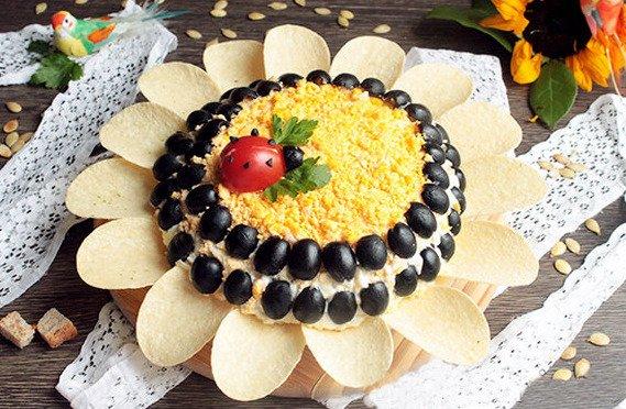 Салат Подсолнуха с печенью трески