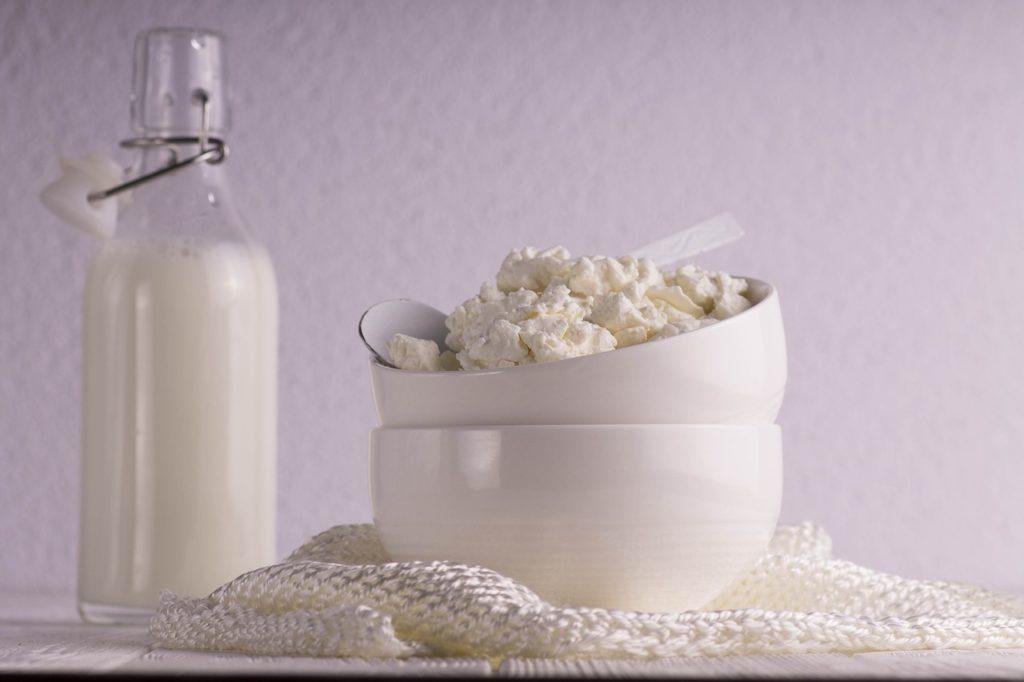 Как приготовить творог из молока дома – рецепт