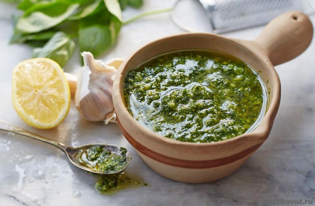 Острый соус из крыжовника – рецепт с чесноком