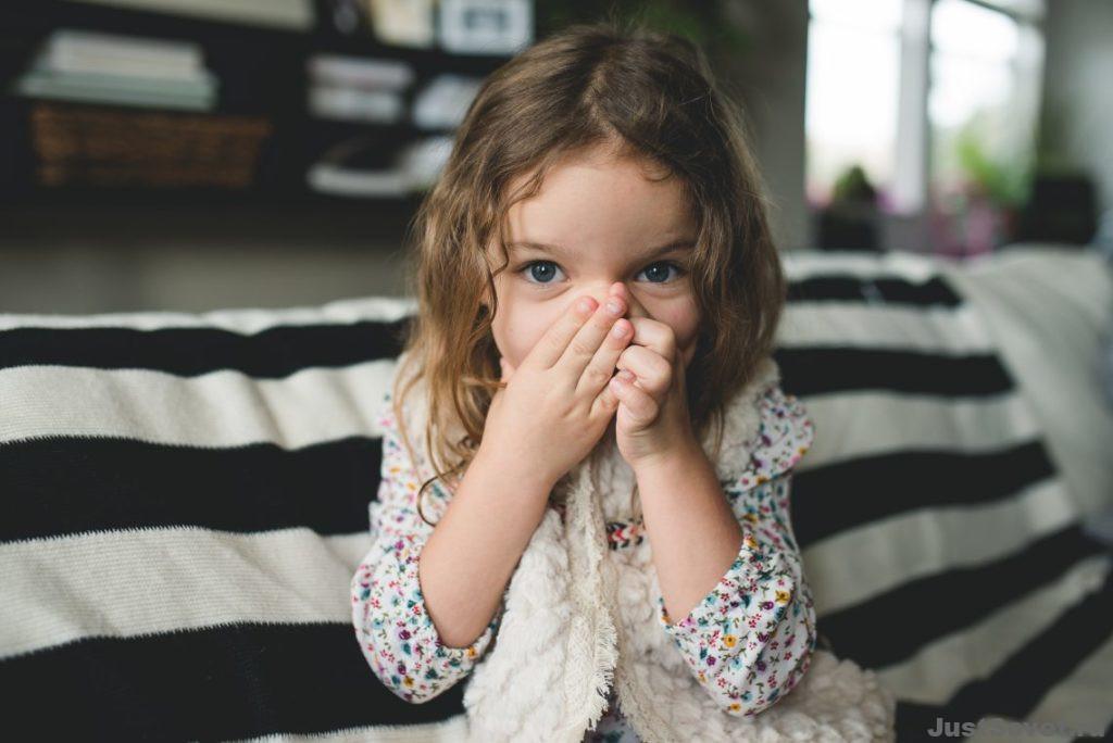 Как быстро избавиться от икоты ребенку