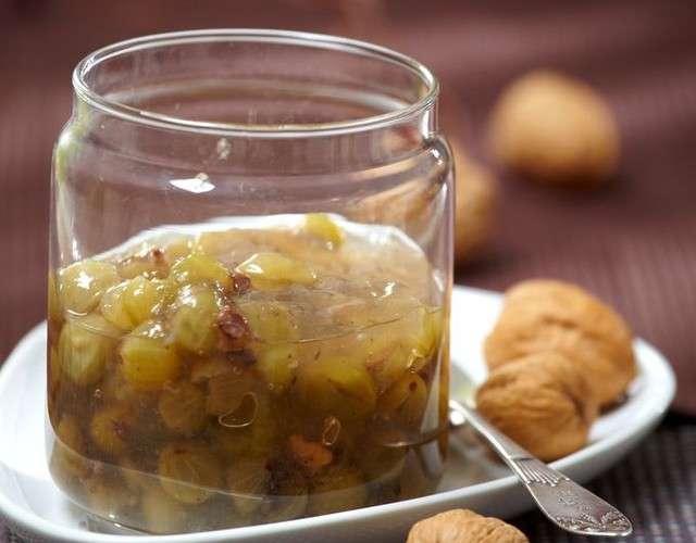 Варенье из крыжовника с грецкими орехами - пошаговый рецепт